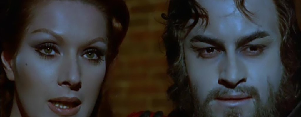 El espanto surge de la tumba (1972), de Carlos Aured